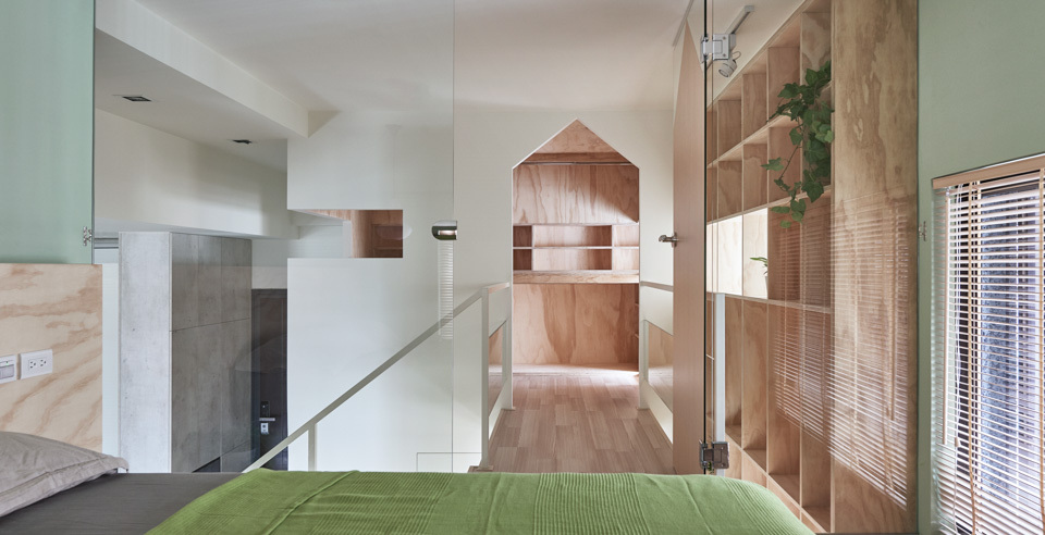 1-relaxing-home-pale-woods-shades-green
