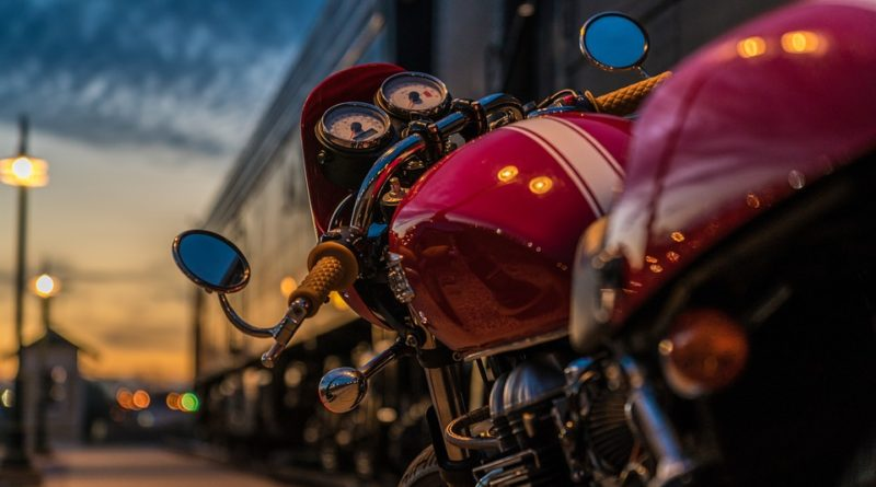 motorcycle-2186589_960_720