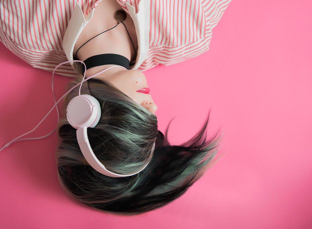 headphone shopping in Singapore